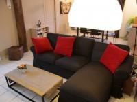 Canapé d'angle salon de La Grange de Thoré